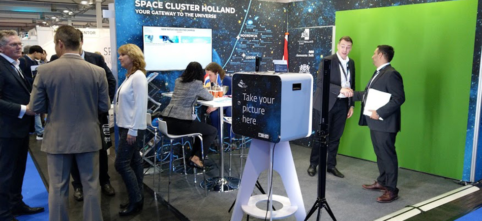 Space Cluster Holland in trek op Space Tech Expo Bremen