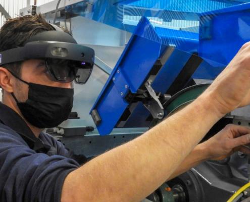 Onderhoudsmedewerker met HoloLens